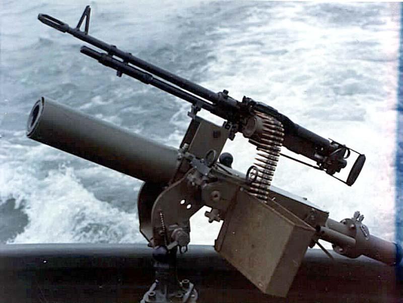 60-мм миномет Mk.4 mod.0 с пулеметом M60D