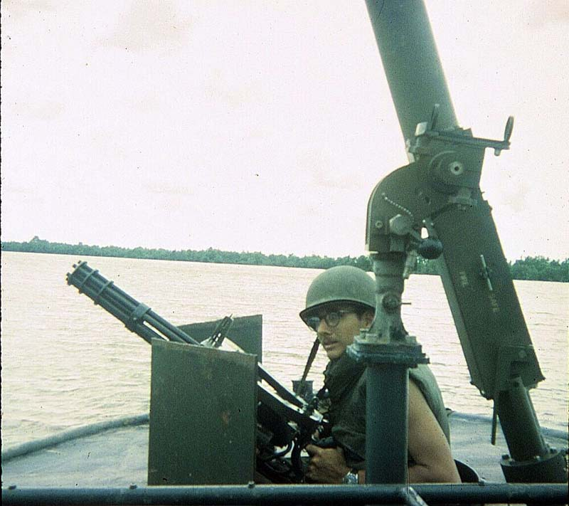 Миномет Mk.4 mod.0 и Minigun на катере LCPL Mk 4