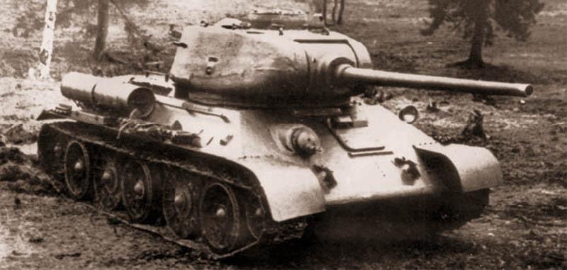 Средний танк Т-34 с 85-мм пушкой Д-5Т