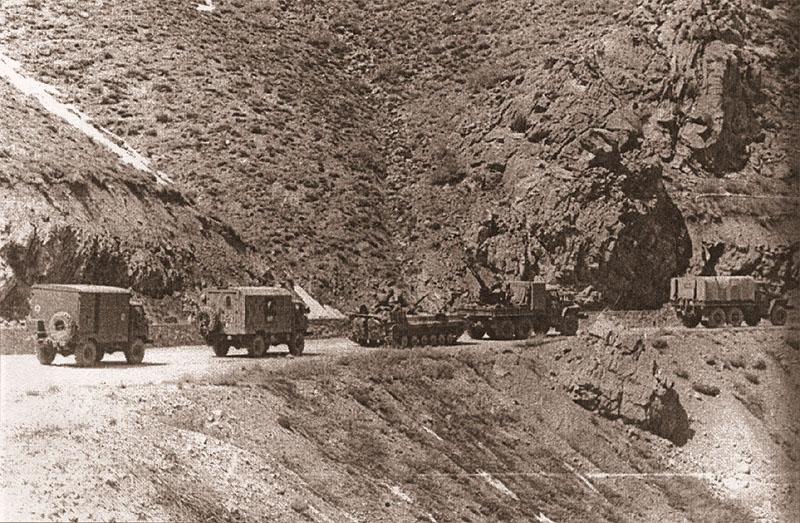 Летняя дорога Баграм–Хайратон. Машины ОБМО 108-й мсд, 1985 год. Замыкающая огневая группа сопровождения колонны