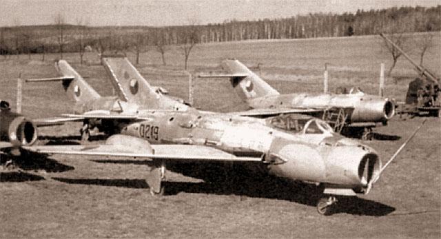 S-105 в одном из музеев Чехии. Все вооружение истребителя демонтировано