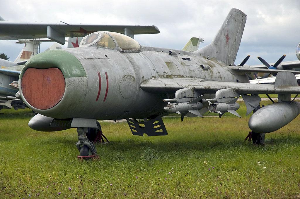 МиГ-19ПМ с ракетами К-5М в экспозиции Музея ВВС России в Монино