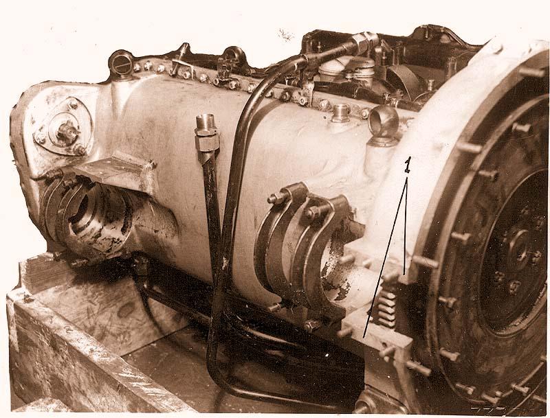 Вид двигателя со стороны картера