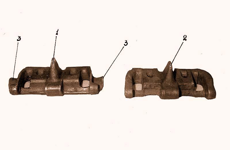 Слева – трак «Виккерса», справа - трак Т-26