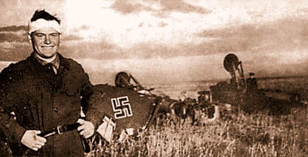 И.М. Чумбарев возле тараненой им «рамы». 14 сентября 1942 г.
