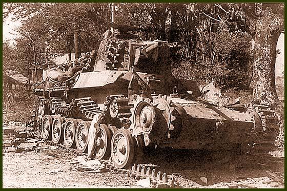 Тип 97 «Шинхото Чи-ха» из состава 2-й танковой дивизии, уничтоженный огнем базук, Остров Лусон, 30 января 1945 года. Обращает на себя внимание крепление запасных траков на башне