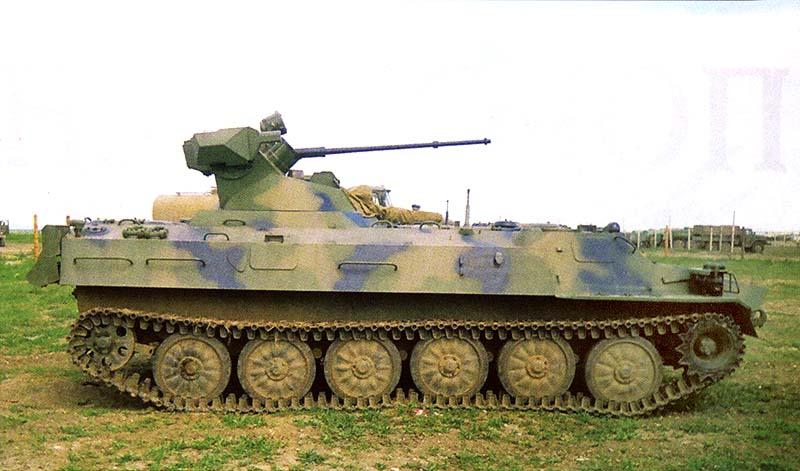 МТ-ЛБМ 6МБ с 30-мм автоматической пушкой 2А72 и 7,62-мм пулеметом ПКТ в парке воинской части 42 мcд. Чечня, Ханкала, май 2000 г.