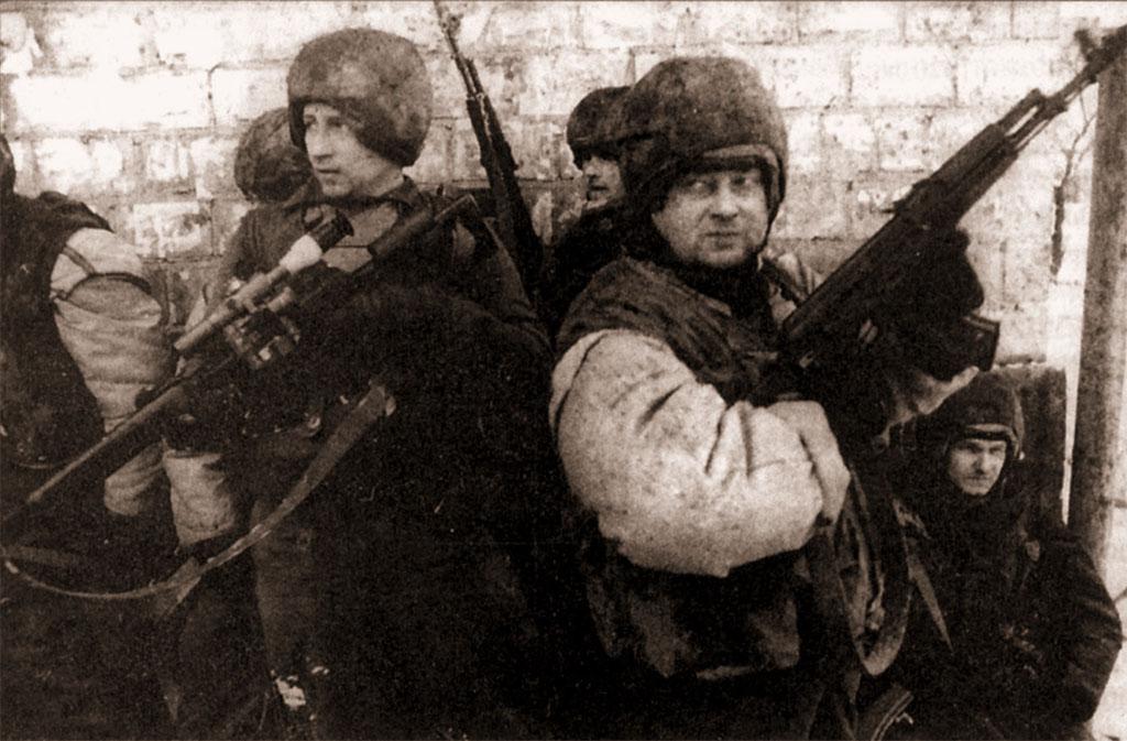 Специальное снайперское оружие сегодня охотно используется не только в специализированных, но и в других подразделениях силовых структур