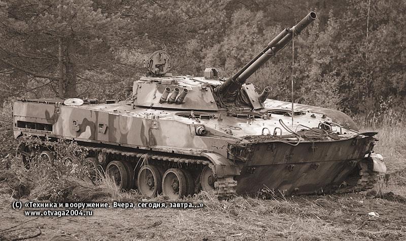Боевая машина пехоты БМП-3, принимавшая участие в копровых испытаниях при разработке средств десантирования