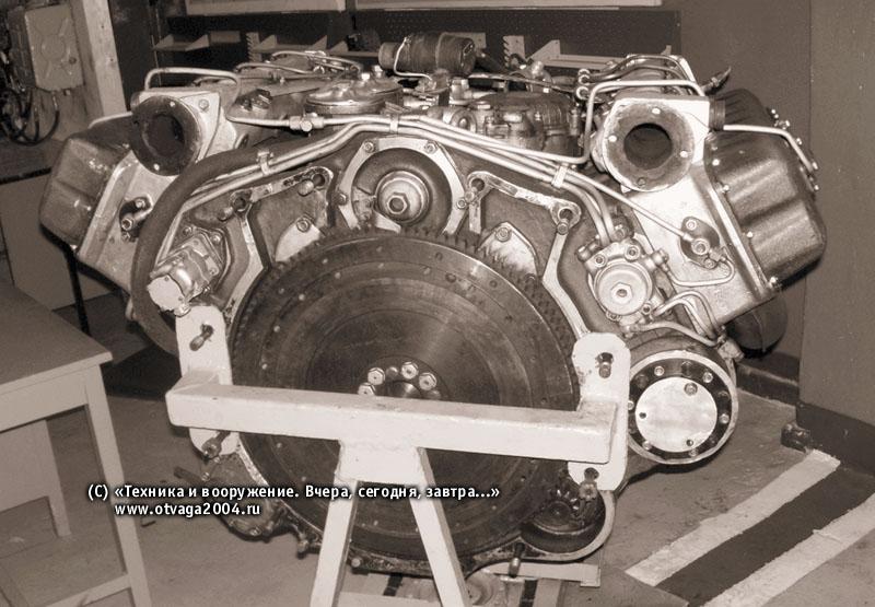 Дизельный двигатель 2В-06-2 на стенде