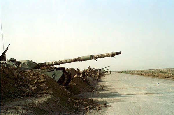 Основные боевые танки иранской армии «Chieftain» британского производства