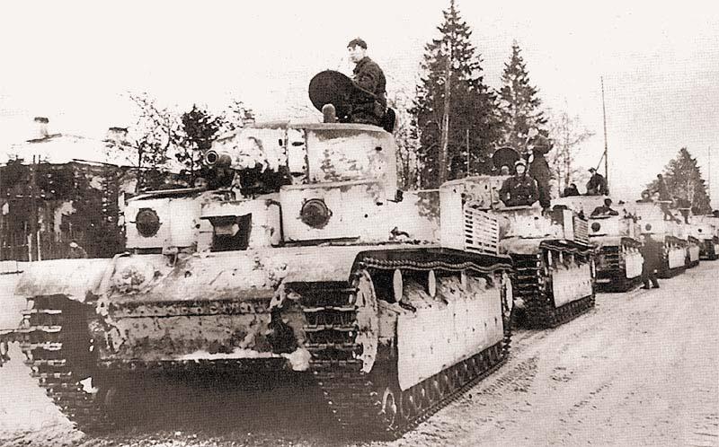 Т-28 20-й танковой бригады на марше. Февраль 1940 г. Первые две машины выпуска первой половины 1939 г.