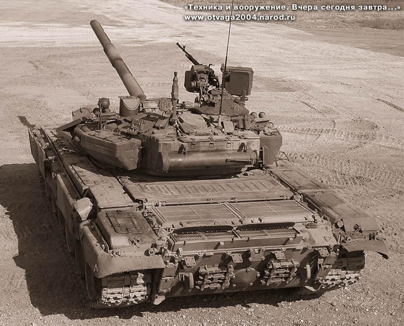 Танк Т-90А с прицелом «Эсса» на полигонных испытаниях. Июнь 2006 г.