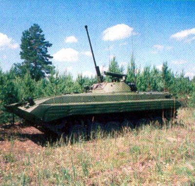 Большой угол возвышения пушки позволяет БМП-2 вести огонь по воздушным целям