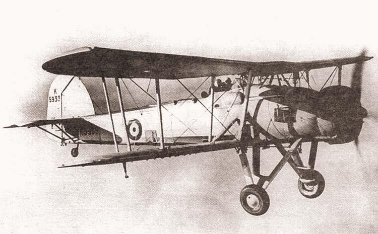 Британский торпедоносец «Swordfish», прозванный летчиками за свою архаичную конструкцию «авоськой»
