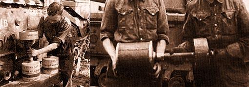"""Слева: один из членов экипажа готовит к выстрелу 26-фунтовый снаряд, получивший у английских солдат прозвище """"Летающая Урна"""". Справа: фугасный снаряд Flying Dustbins – """"Летающая Урна"""""""