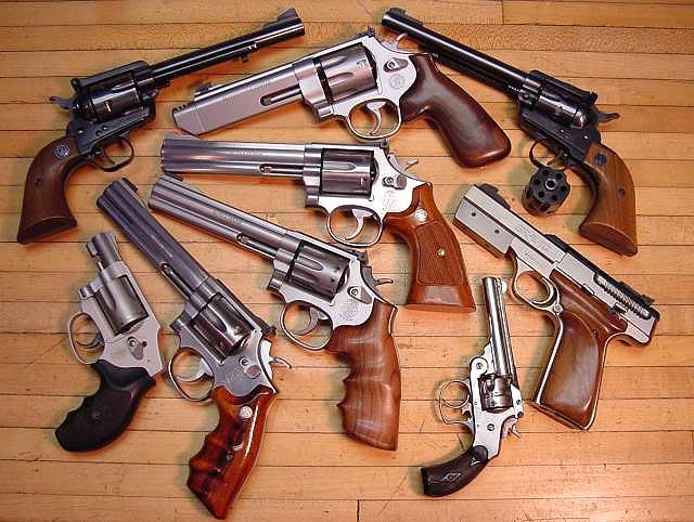 otvaga2004_revolver_00