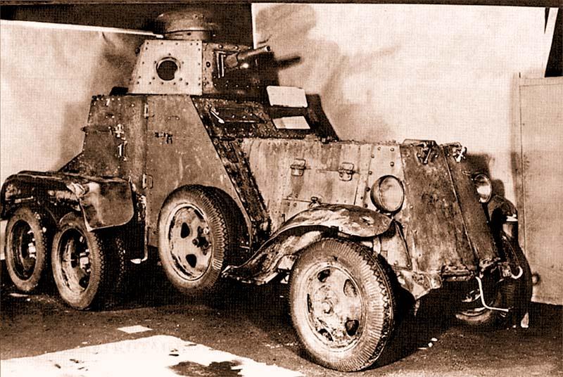 Бронеавтомобиль БА-27, захваченный финнами на месте разгрома 163-й стрелковой дивизии. Машина находится в ремонтных мастерских в Варкаусе. Апрель 1940 года