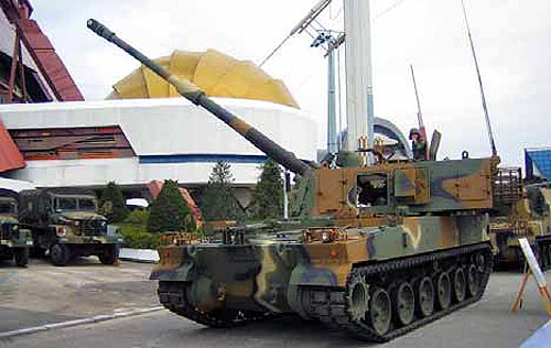 "Южнокорейская 155-мм САУ К-9 ""Thunder"""