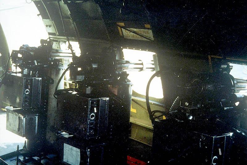 Пулеметы «Миниган» на AC-47 - вид изнутри