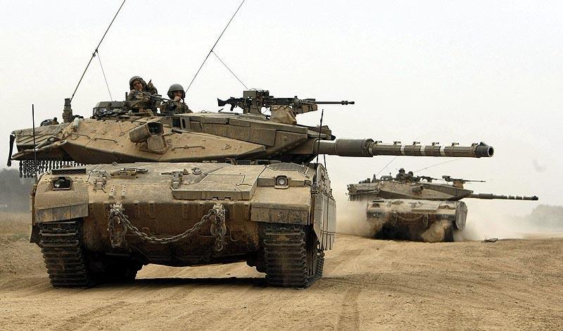 Модернизированные танки «Меркава» Mk.2 с дополнительной бронезащитой на боевойм патрулировании