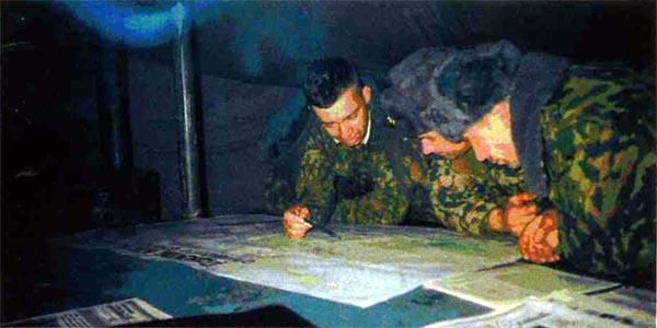 3 декабря 1999 года. Палатка ЦБУ. (Теплая штабная палатка.) Старший помощник начальника артиллерии майор X. доводит до офицеров планируемые огневые налеты