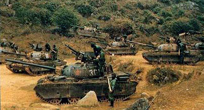 Китайские танки «Тип 62-I», оснащенные решетчатыми корзинами на башне