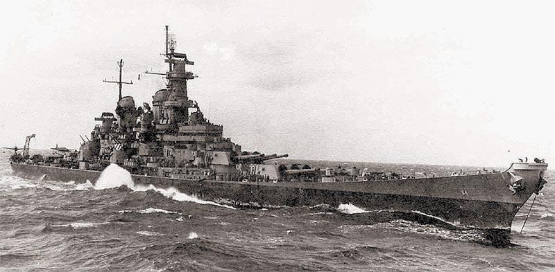 Американский линкор «Wisconsin» типа «Iowa» – один из последних представителей своего класса, самый мощный линейный корабль ВМС США, один из рекордсменов-долгожителей