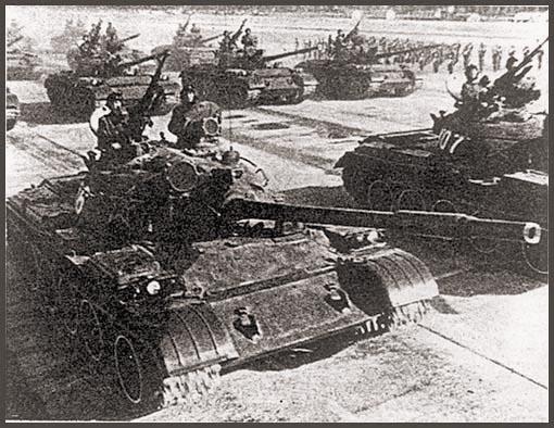 Первый публичный показ танков «Тип 69» на военном параде в Пекине в 1982 г.