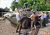 Украинские военные пытаются модернизировать бронетехнику в полевых условиях