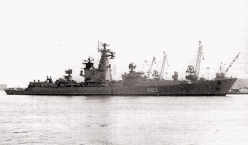 БПК «Вице-Адмирал Дрозд». Пусковая установка КТ-72, антенны РЭБ, «Успех-У» и ряд других устройств ещё не установлены. Ленинград, 1968 г.