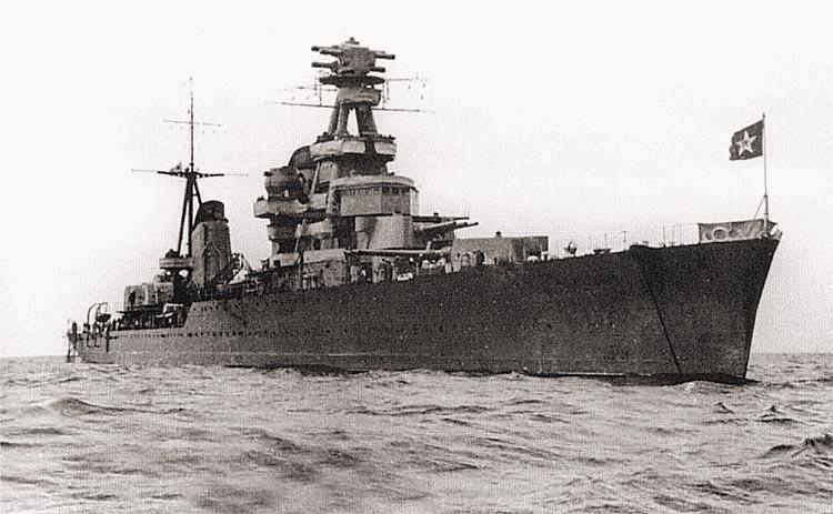 Крейсер «Киров» на рейде, 1940–1942 гг.